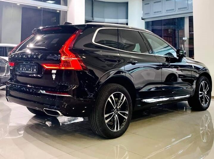 XC60 Recharge T8 Inscription Expression